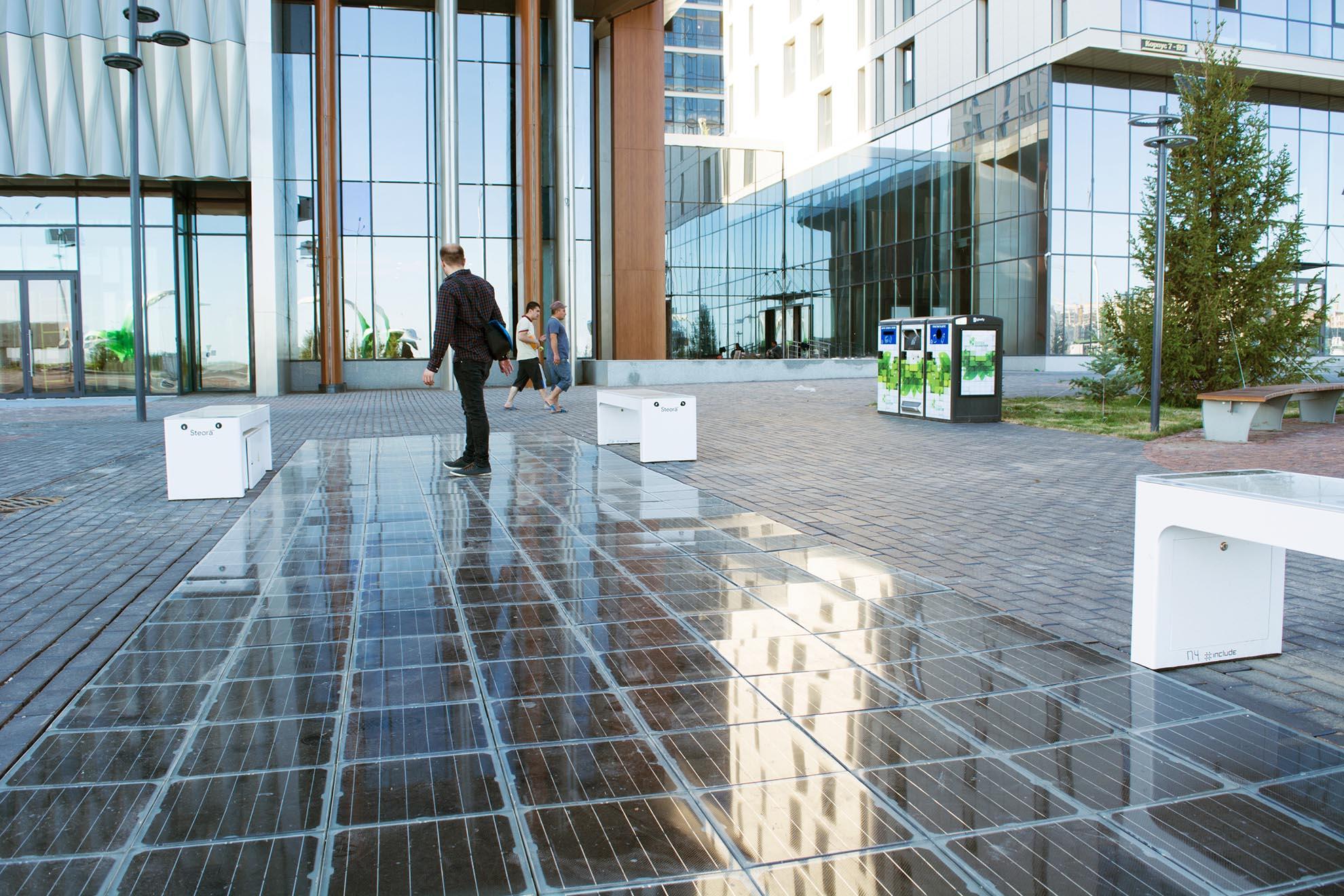 Platio Solar paving